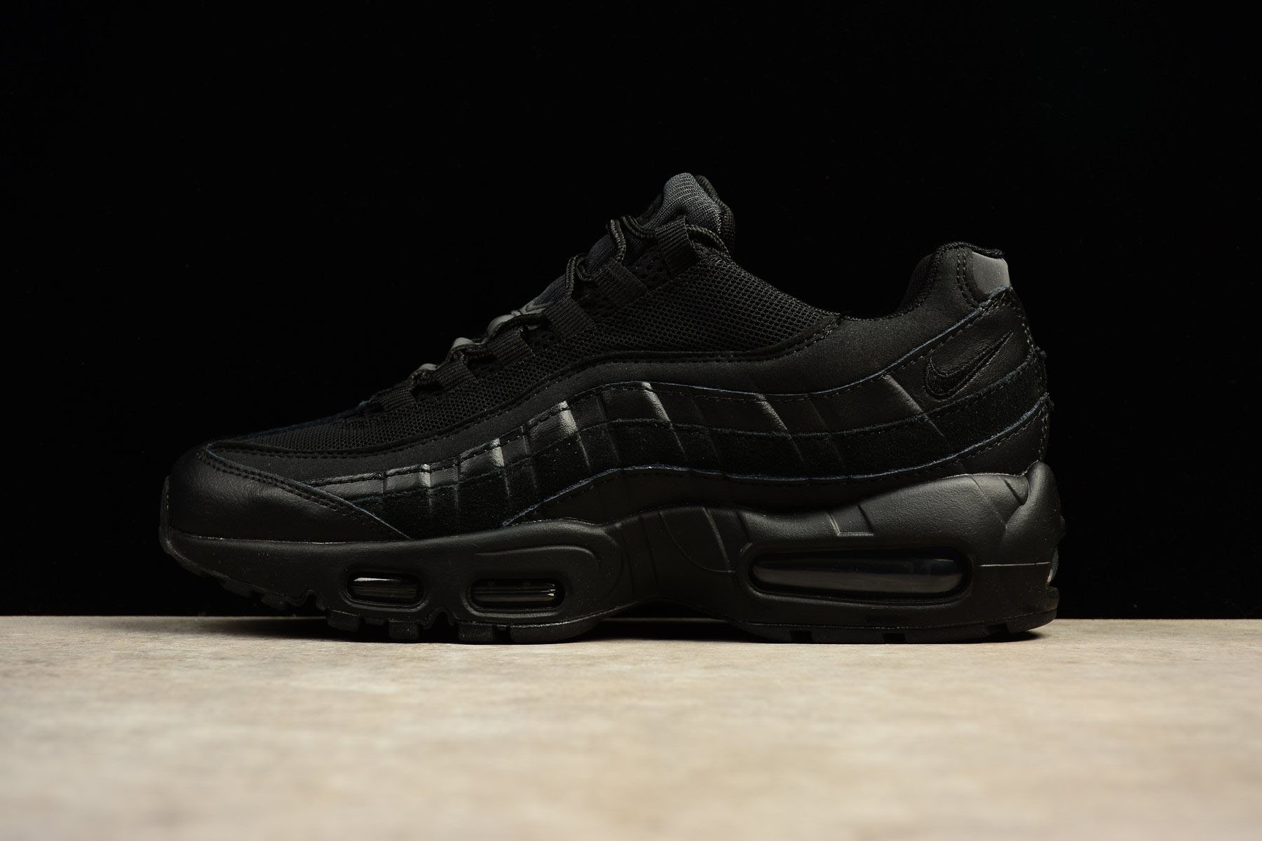 Nike Air Max 95 Essential OG Triple Black Men's Trainers 749766-009